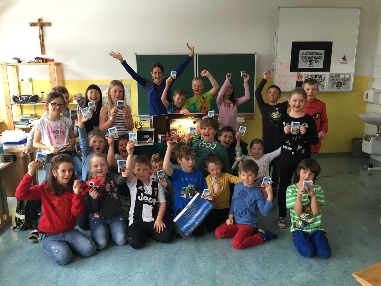 earf school presentation happy children