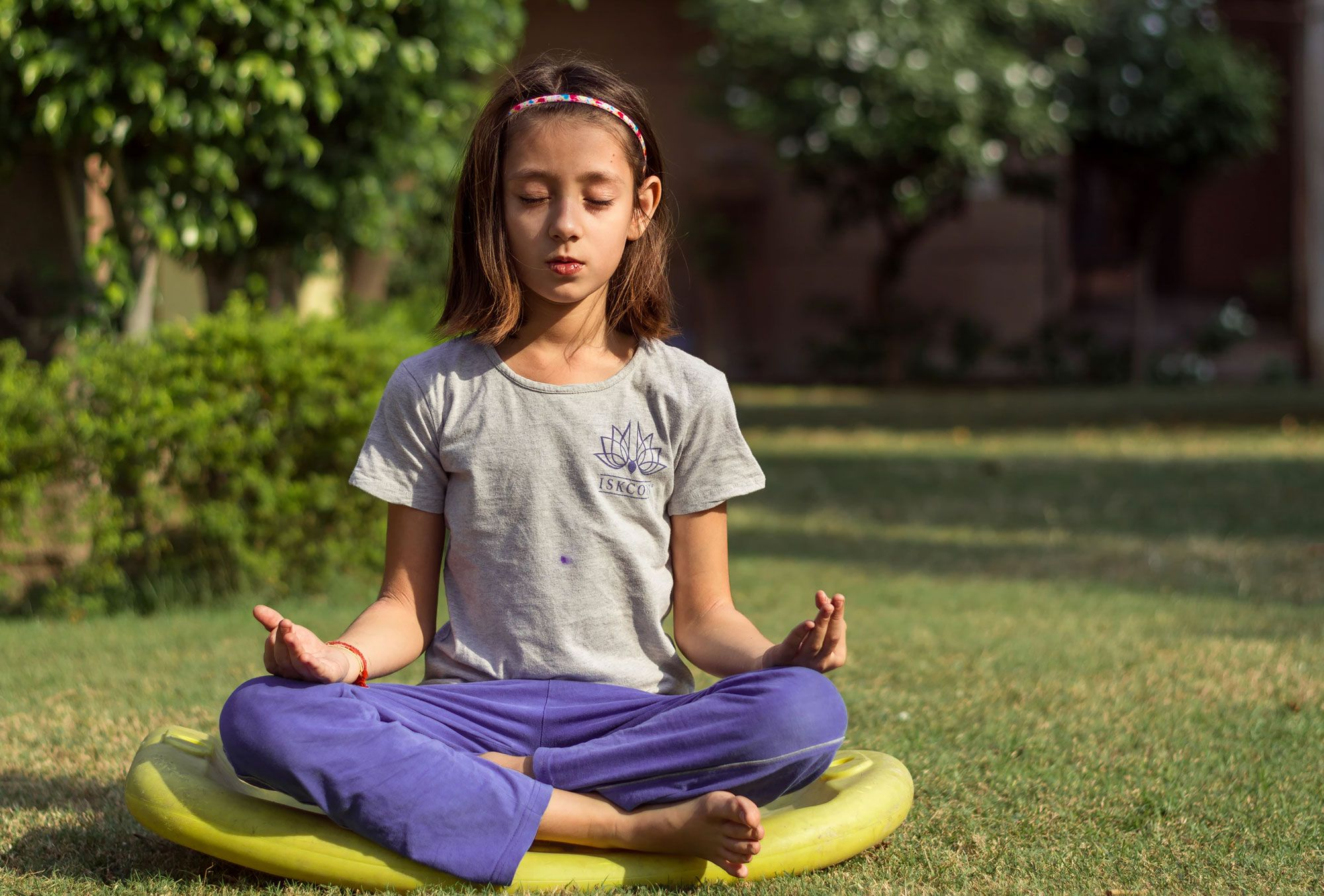 relaxed child earfs meditation
